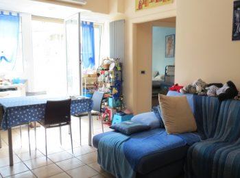 TERRAZZO E POSTEGGIO – Appartamento Bilocale a Sanremo
