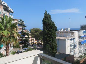 VISTA MARE E BOX – Appartamento Bilocale a Sanremo