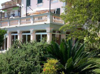 – Indipendente Villa a Sanremo