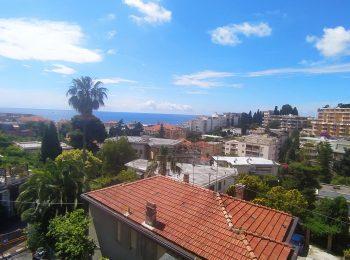 – Appartamento Trilocale a Sanremo