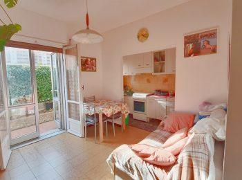 DOPPIA ESPOSIZIONE – Appartamento Trilocale a Sanremo