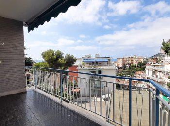 CONTESTO SIGNORILE – Appartamento Trilocale a Sanremo