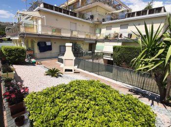 POSTEGGIO E GIARDINO – Appartamento Monolocale a Sanremo